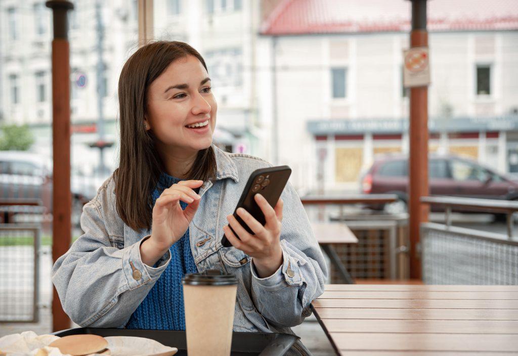 Women using instant messaging app